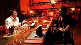 來台與成龍共進晚餐 X Japan團長被罵翻急道歉 圖/翻攝自Yoshiki臉書 https://www.facebook.com/YoshikiOfficial/photos/a.368480926524228/2318283944877240/?type=3&theater