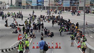 憂警設陷阱 反送中示威者撤離夏愨道