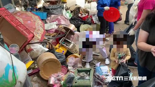 苗栗4歲童睡垃圾堆/苗栗縣山城救援協會提供