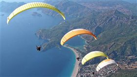 跳傘(示意圖/取自Pixabay)