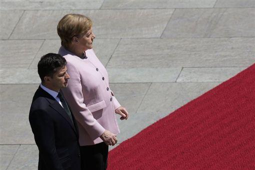 德國總理梅克爾,烏克蘭總統澤連斯基(圖/翻攝自推特)