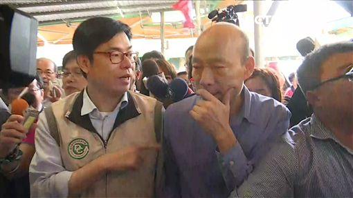 ▲陳其邁南下高雄視察登革熱疫情,與韓國瑜同台