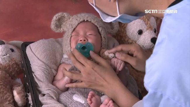 寶寶攝影創商機!「安撫師」協助穩情緒 月收衝8萬元