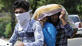 印度,熱浪,高溫,中暑 圖/翻攝自印度斯坦報