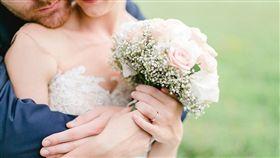 婚紗、結婚 pixabay