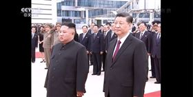 習近平,金正恩,平壤,國是會議,中朝友好。(圖/翻攝自shonaiobako2010推特)
