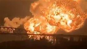 火災,爆炸,煉油廠,美國,費城,夜空,消防院,丁烷,撤離,控制 圖/翻攝自推特