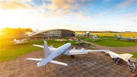 22日兩架輕型飛機在荷蘭西南部空中相撞,造成兩人罹難,兩架飛機是荷蘭航空博物館的收藏品。(圖/荷蘭航空博物館)