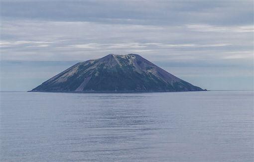 雷公計島,日本,火山, 噴發(圖/翻攝自推特)