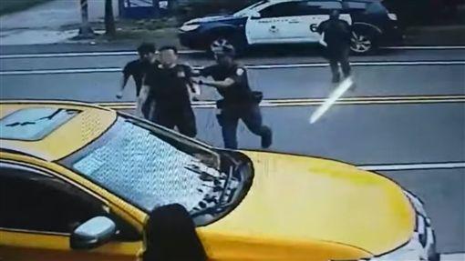 計程車,運將,黑衣男,酒客,宜蘭/翻攝臉書