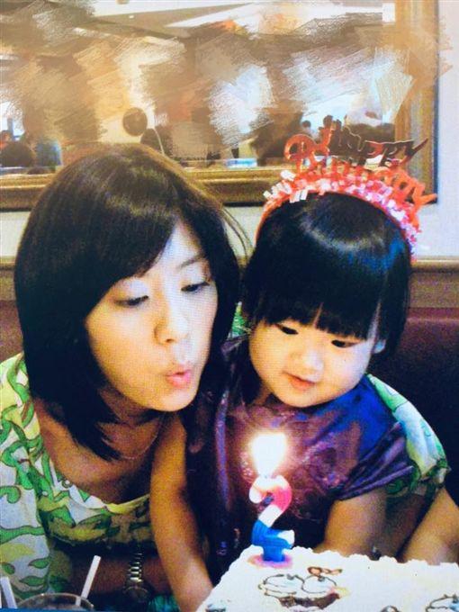 賈靜雯 2歲梧桐妹/臉書