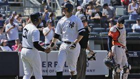 拉梅修(左2)揮出全壘打,助洋基連續全壘打場次推進到26場。(圖/美聯社/達志影像)
