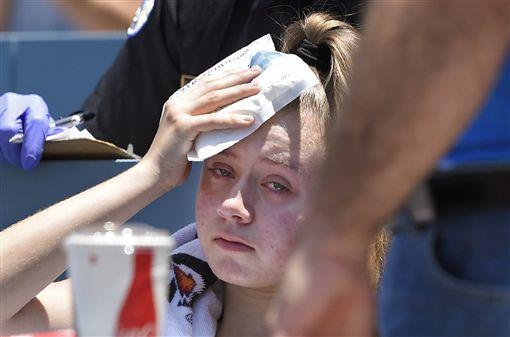 ▲貝林傑的界外球擊中女球迷。(圖/美聯社/達志影像)