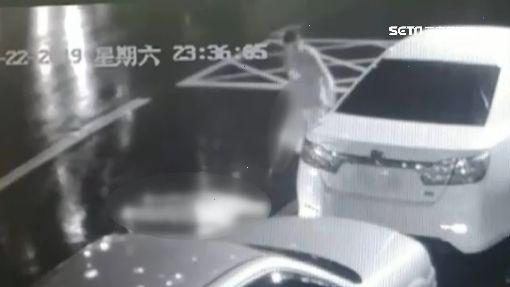 最新影片曝!街頭持武士刀砍頸 債主慘死