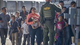 移民,兒童,收容,環境,美國海關與邊境保護(圖/翻攝自ABC News)