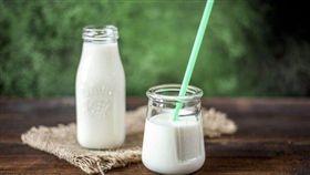 圖/翻攝自pixabay,鮮乳,牛奶
