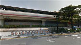 唭哩岸站,傷人,磚塊,女學生 圖/翻攝Google Map