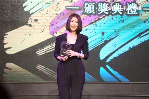 許茹芸和葛大為出席2018年度十大專輯暨單曲頒獎典禮。(圖/中華音樂人交流協會提供)