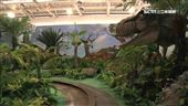 台中侏儸紀樂園開幕 小孩騎恐龍玩翻