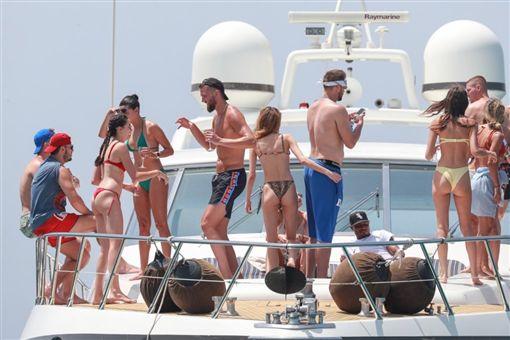 NBA/幹籃哥、帕森斯辦極樂遊艇趴NBA,底特律活塞,Blake Griffin,曼菲斯灰熊,Chandler Parsons,遊艇趴翻攝自推特