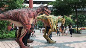 地表最強恐龍,巨型腕龍現身新板特區!全球唯一互動式恐龍主題樂園,麗寶HiMall正式開戰
