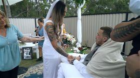 一日夫妻!22歲男運動員罹腦癌 婚後「隔天就病亡」(圖/翻攝自Dion Taumata YouTube)