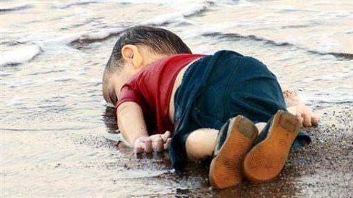 敘利亞,難民,男童(圖/翻攝自推特)