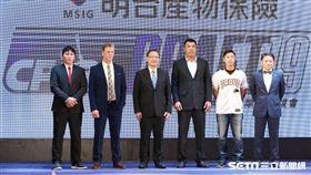 ▲中華職棒選秀會,5隊總教練合影。(圖/記者林士傑攝影)