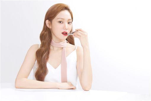 韓星李聖經 蘭芝六色唇膏 蘭芝提供