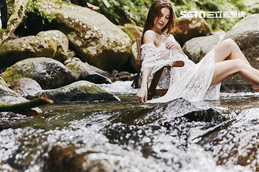 安妮寫真書《透明的妮》 圖/伊林娛樂提供