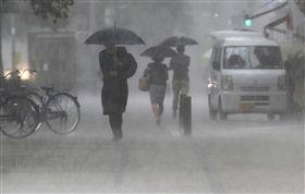 日本九州下起豪雨,氣象廳警告:快逃命! 圖/美聯社/達志影像