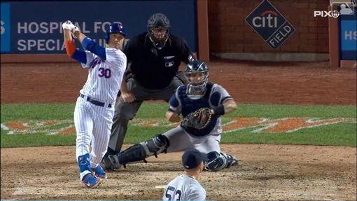 ▲大都會康佛多(Michael Conforto)擊出超前比數二壘安打。(圖/翻攝自MLB官網)