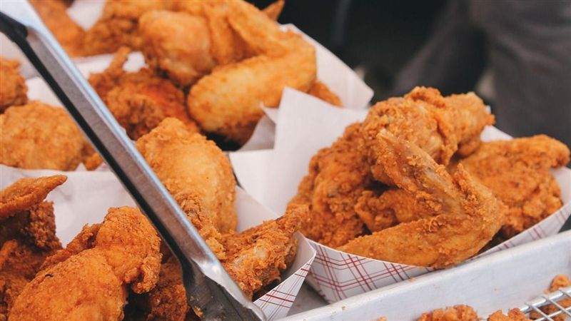 男疑惑「台灣為何少見炸全雞」 內行秒猜:你一定不會煮飯 | 生活 | 三