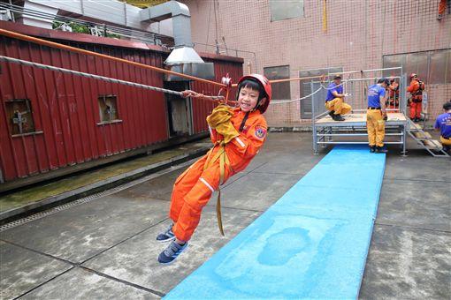 台北,消防局,消防營,暑假,小朋友。台北市消防局提供