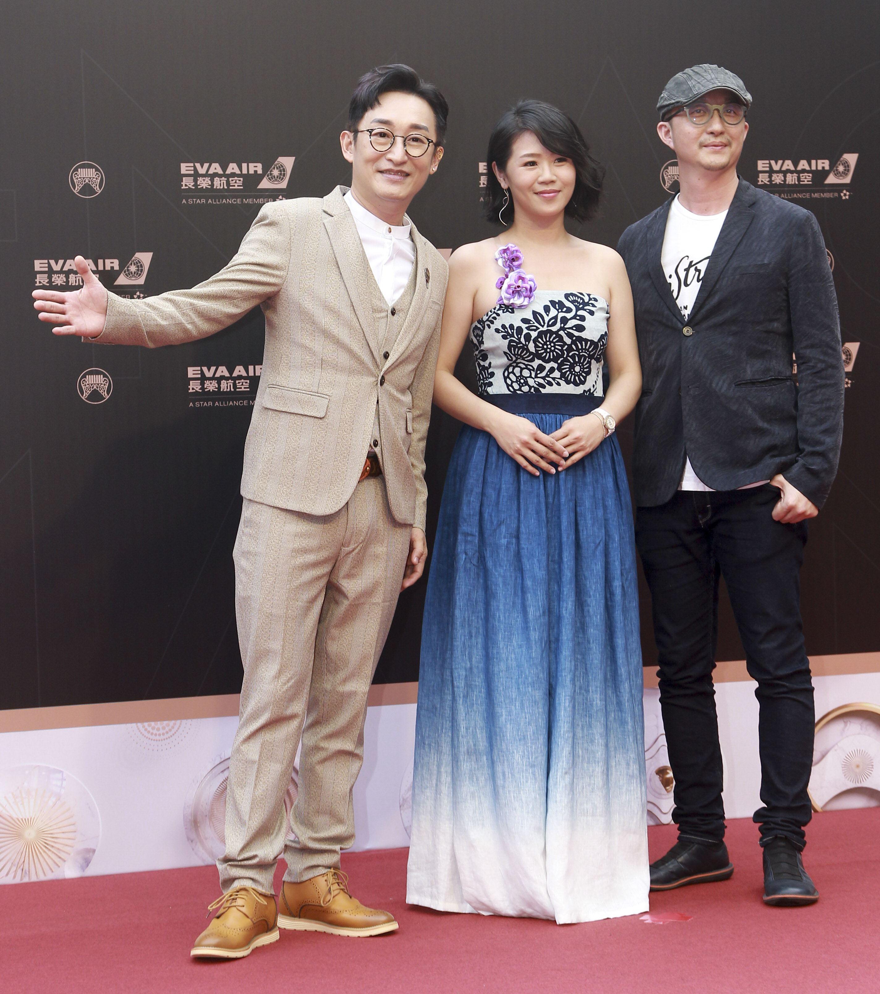 第30屆金曲獎星光大道,徐哲緯、葉鈺渟。(記者邱榮吉、林士傑/攝影)