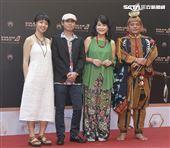第30屆金曲獎星光大道,羅思容、黃宇燦。(記者邱榮吉、林士傑/攝影)