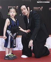 第30屆金曲獎星光大道,Starr Chen陳星翰、優助。(記者邱榮吉、林士傑/攝影)