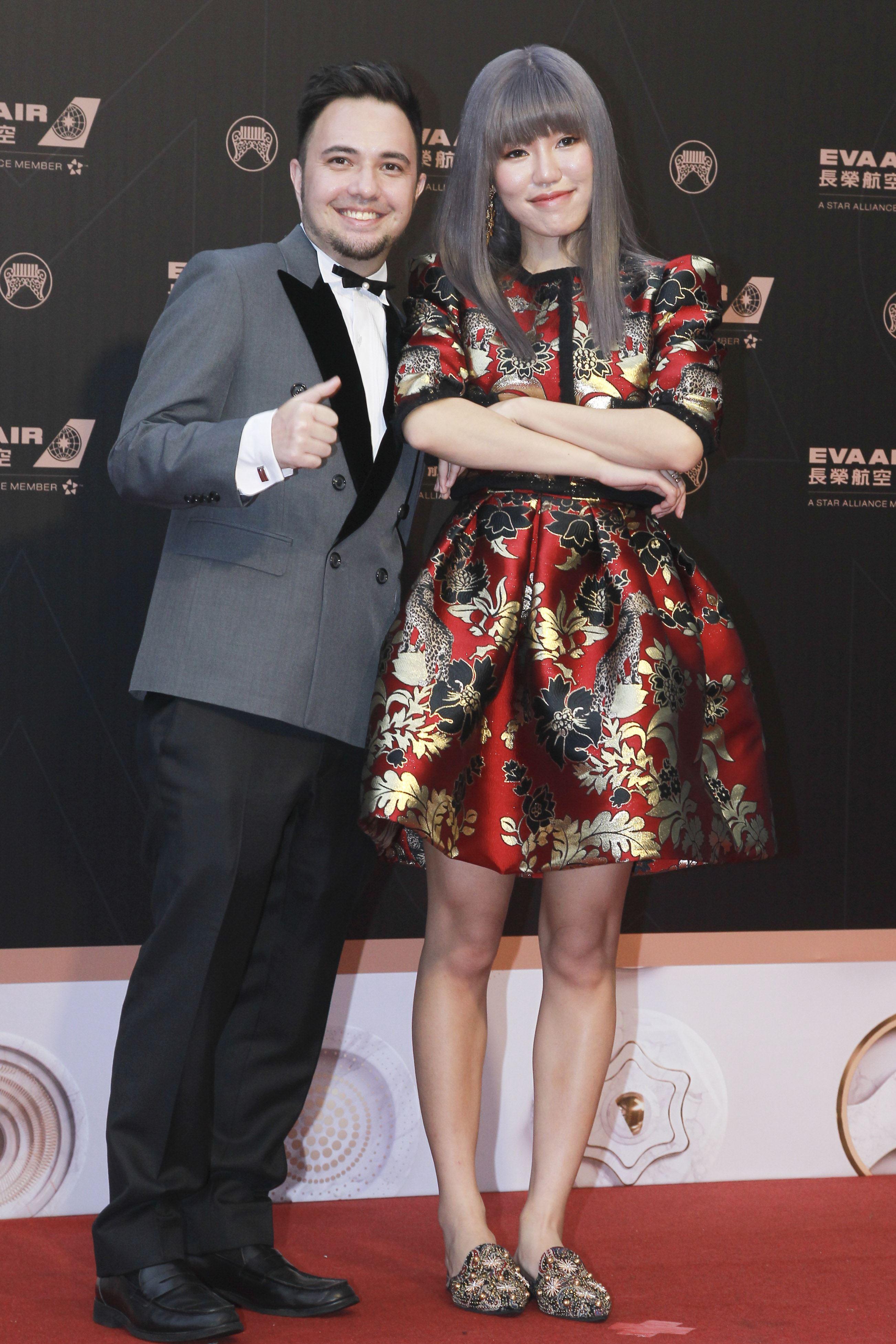 第30屆金曲獎星光大道,王艷薇、陶山。(記者邱榮吉、林士傑/攝影)