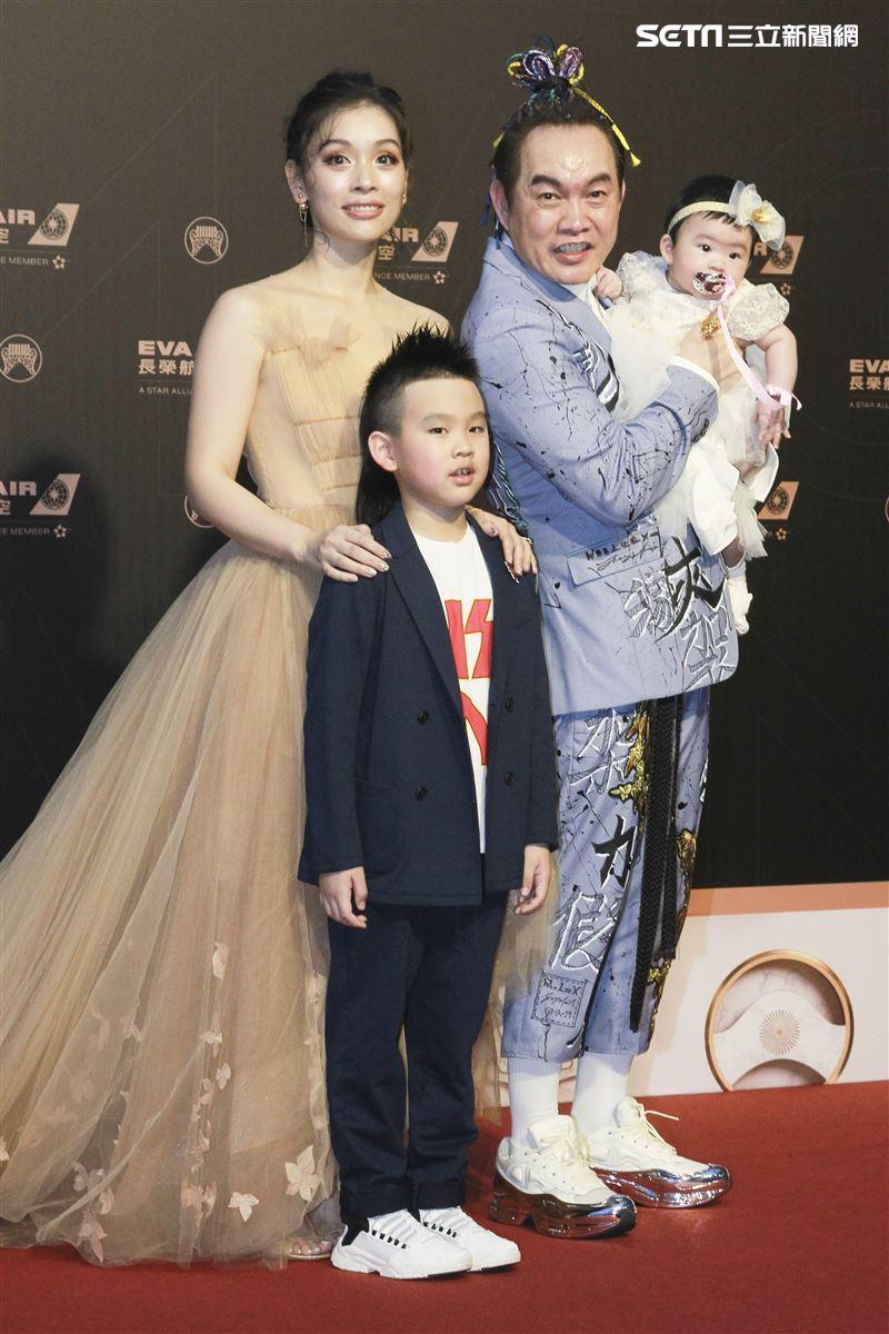 第30屆金曲獎星光大道,康康。(記者邱榮吉、林士傑/攝影)