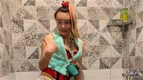 法拉利姐 張婷婷跟男友湯辰希。(翻攝臉書)