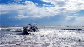 船,翻覆(示意圖/翻攝自Pixabay)