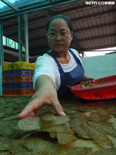 蝦餅製作過程