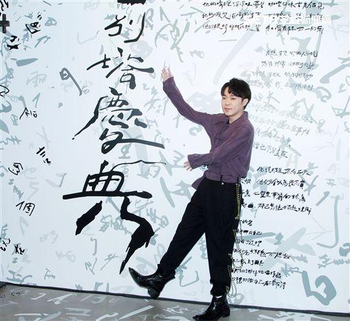 吳青峰「巴別塔慶典概念展」開展。(記者邱榮吉/攝影)