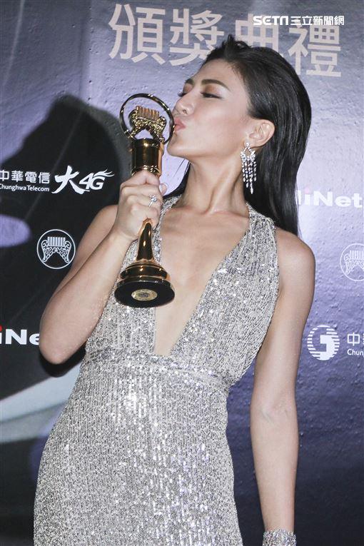 第30屆金曲獎獲得最佳作曲人獎艾怡良。(記者邱榮吉、林士傑/攝影)