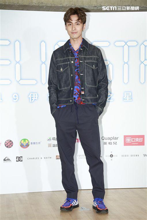 伊林娛樂副董事長陳婉若在比賽前,與藝人蔡淑臻、安妮、張雁名、陳信維,璀璨之星選拔