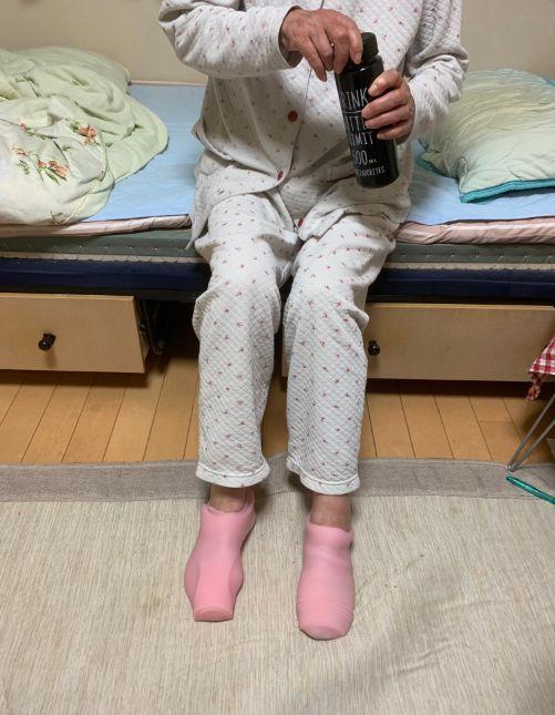 襪子,飛機杯,日本,奶奶,保暖(圖/翻攝自推特)