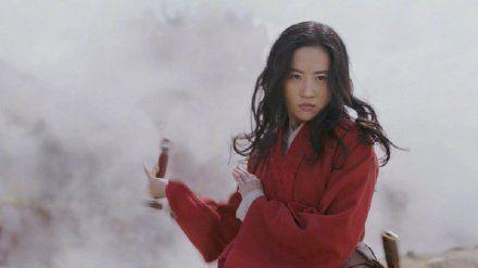 中國知名傳說故事《花木蘭》也即將在明年上映。而女主角正是被粉絲譽為「仙女姐姐」的31歲女星劉亦菲 影片截圖