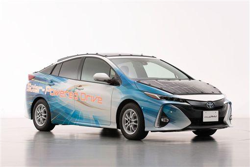 ▲TOYOTA測試太陽能車頂。(圖/翻攝網站)