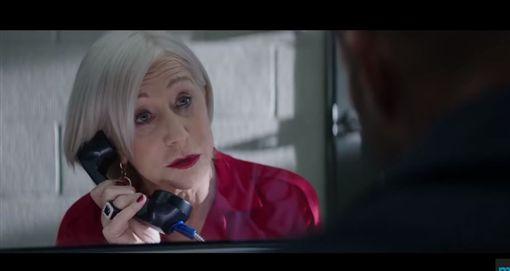 莎莉賽隆(Charlize Theron)與海倫米蘭(Helen Mirren) 影片截圖