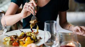 噎到,食物,英國,吃太快,窒息,心肺復甦術,叮嚀,提醒, 圖/翻攝自Pixabay https://parg.co/NYg